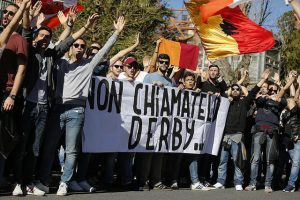 Daspo per 60 tifosi Roma dopo corteo derby e per 12 di Genoa e Samp: uno durerà 8 anni