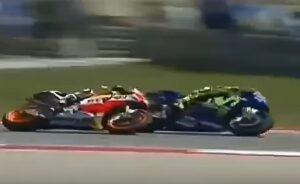YOUTUBE Valentino Rossi - Dani Pedrosa, il sorpasso nel Gp di Austin