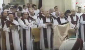 YOUTUBE Egitto: San Girgis a Tanta, bomba esplode sotto panca in chiesa