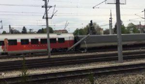 YOUTUBE Austria: scontro tra treni locali a Vienna Meidling, 9 feriti