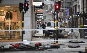 """Lucia Filippone, italiana scampata a attentato Stoccolma: """"Donne a terra, feriti, sangue..."""""""