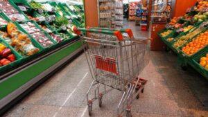 Bari, supermercato sociale: la merce scartata aiuta oltre 200 famiglie povere