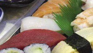 Mangia sushi e muore a 33 anni. Indagato il gestore del ristorante