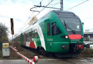 Milano: due ragazzi investiti dal treno a Quarto Oggiaro. Uno è in gravi condizioni