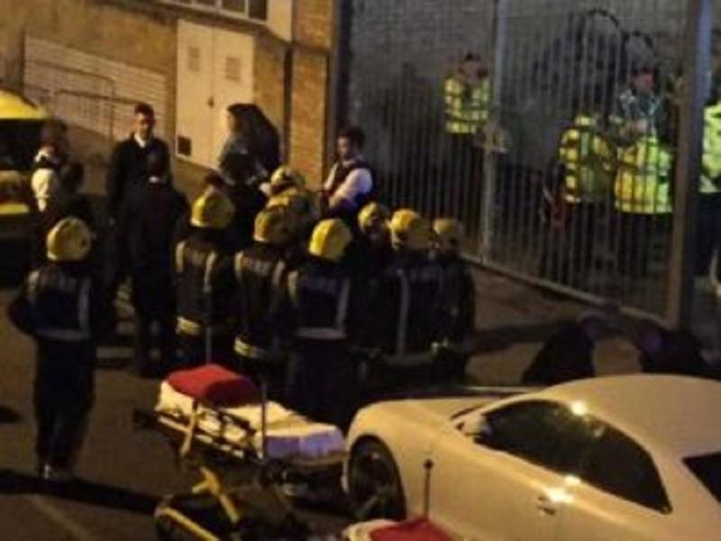 Attacco con l'acido in un locale di Londra, dodici persone ustionate