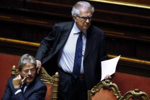 """Luigi Zanda, Pd, auspica fronte anti-Grillo con Forza Italia: """"Sosteniamo i loro sforzi..."""""""