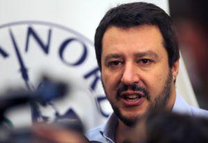 Matteo Salvini vince le primarie della Lega Nord contro Gianni Fava. E a Bossi dice...