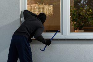 Rapine e furti, chi sono i ladri d'appartamento e da dove vengono