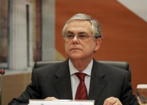 Grecia, ex premier Loukas Papademos ferito in esplosione