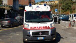 Roma, morta ragazza di 16 anni: era stata travolta da taxi alla fermata del bus