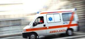 """Milano. Grave incidente a Corsico: donna in bicicletta travolta da un camion, è in fin di vita """"Grave incidente stradale a Corsico: donna in bicicletta travolta da un camion, è in fin di vita"""