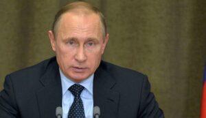 """Corea del Nord, Putin: """"Il lancio del missile è controproducente. Ma non si tocchi Kim Jong un"""""""