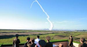 """Corea del Nord annuncia """"un grande pacco regalo"""" agli Usa: """"Gli yankee dovrebbero essere molto preoccupati"""""""