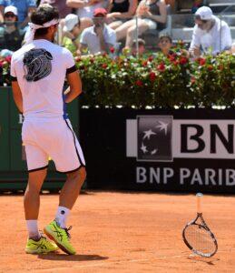 Tennis, internazionali di Roma: Fabio Fognini eliminato agli ottavi da Zverev