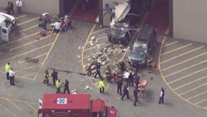 YOUTUBE Perde il controllo del Suv e travolge folla: tre morti a Billerica