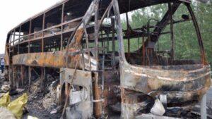 Cina, scontro tra autobus e camion: 12 morti e decine di feriti