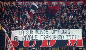 Milan-Roma, Francesco Totti omaggiato dalla Curva Sud rossonera (FOTO)