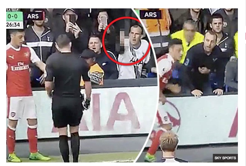 Tottenham-Arsenal, tifosi furiosi con Mesut Ozil (FOTO): ecco perché
