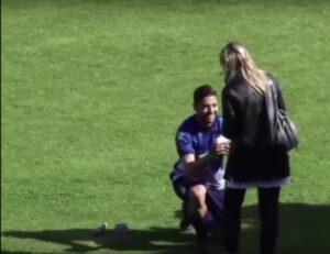 YouTube, Francesco De Rose-Maria Patrizia D'Onofrio: proposta di matrimonio allo stadio
