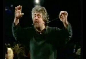 YOUTUBE Beppe Grillo contro i vaccini: ecco cosa diceva nel 1998