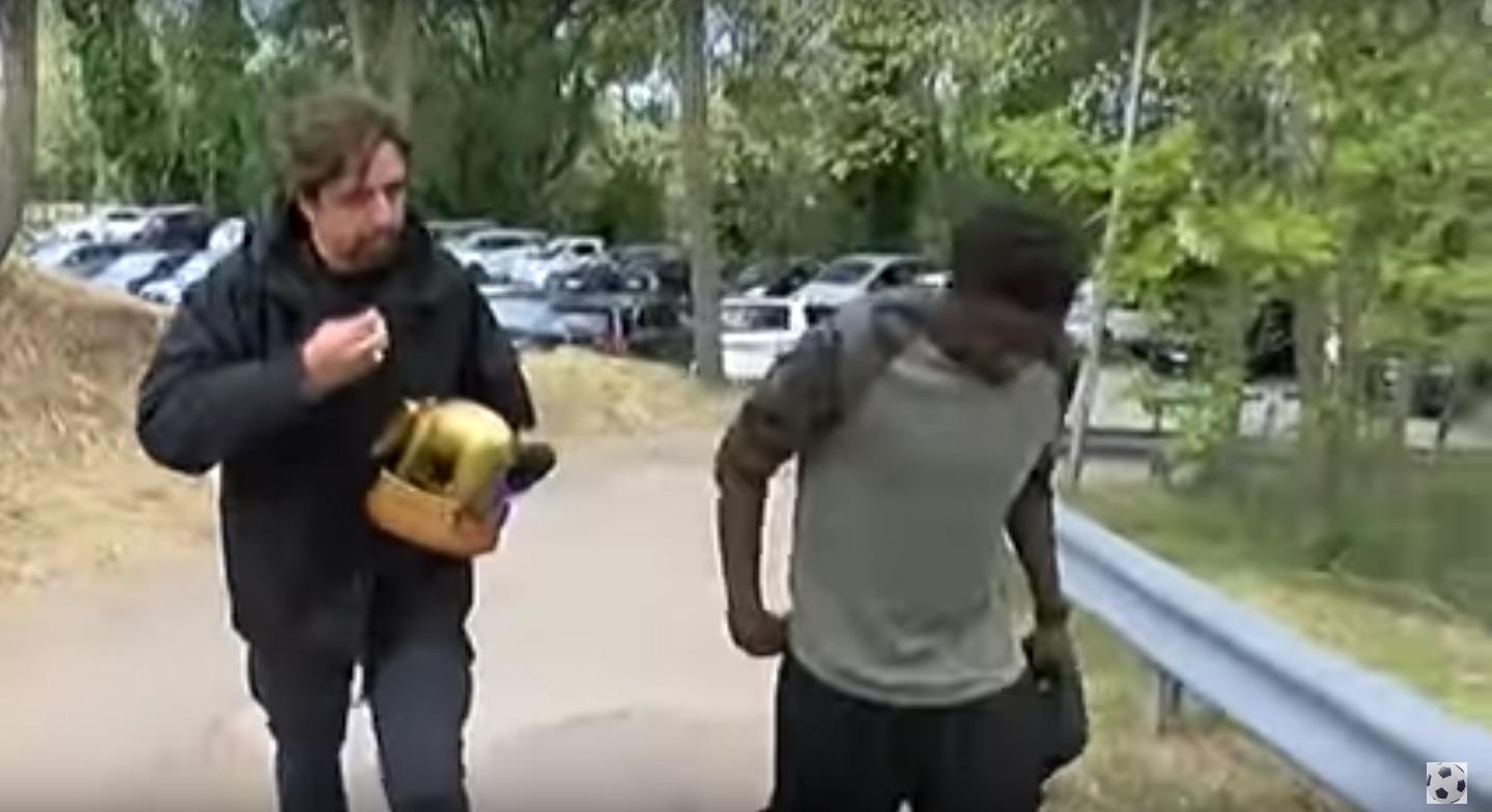 YouTube, Sulley Muntari rifiuta il Tapiro d'oro (VIDEO)