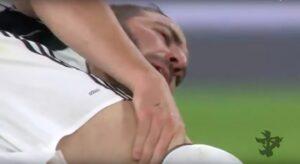 YOUTUBE Glik scalcia Higuain a terra in Juventus-Monaco
