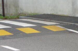 Vidracco (Torino), cade in bicicletta per un dosso e resta invalido: sindaco a processo