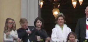 YOUTUBE Norvegia, il principino Sverre Magnus fa la dab dance al balcone reale