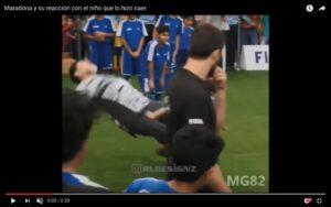 YouTube, Maradona steso da un bambino: non l'ha presa bene