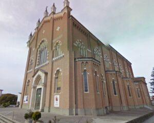 Fossò, derubava le parrocchiane durante la messa: arrestata