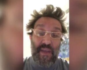"""YOUTUBE Flavio Insinna accusa Striscia la Notizia: """"Ecco perché ce l'hanno con me"""""""