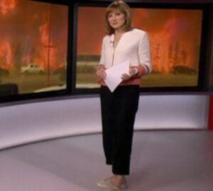 """YOUTUBE Bbc, memo ai giornalisti su come vestirsi: """"Niente jeans, cardigan e..."""""""
