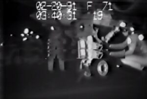 YOUTUBE soldato risucchiato dal motore del jet durante la guerra del Golfo: miracolosamente illeso