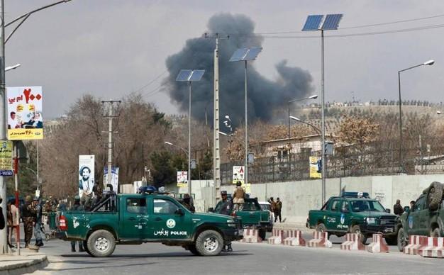 Afghanistan: attacco armato alla tv di Stato, spari contro le vetrate