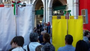 Piazza La Loggia, Lega Nord attacca presenza comunità islamica sul palco