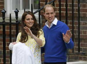 "Kate Middleton, chiesti 1,5 mln di euro di danni per foto ""rubate"" pubblicate su Closer"