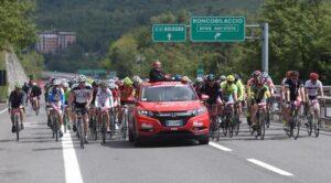 Giro d'Italia, una tappa per la prima volta in autostrada