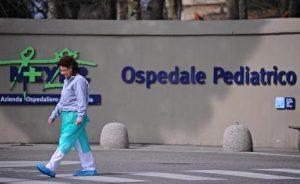 Arezzo, cade in piscina a 6 anni e muore davanti ai genitori