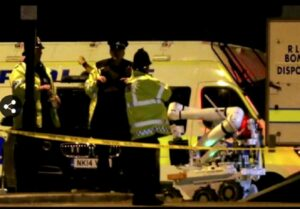 """Attentato Manchester, Isis rivendica. Theresa May: """"Temo altro attacco"""""""