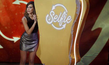 Belen Rodriguez a Selfie gelosa di Stefano De Martino?