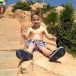 Altoparlante si sgancia e piomba sul lettino: bimbo di 3 anni resta schiacciato02