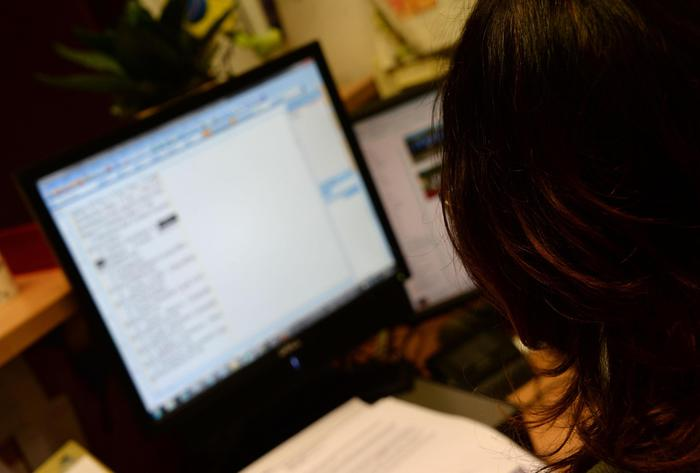 """""""Blue Whale"""", polizia salva studentessa di 14 anni a Ravenna: su Fb foto lesioni"""