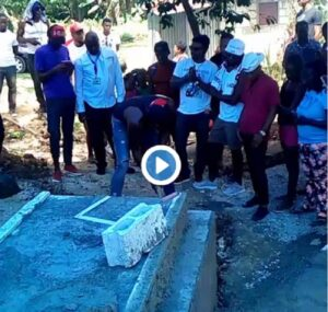 Usain Bolt scava la tomba per l'amico Germaine Mason
