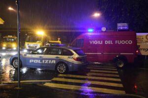 Napoli, bomba esplode nella notte: sventrato un bar
