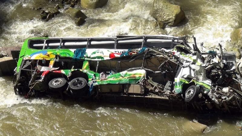 Tanzania, scuolabus precipita nel fiume: almeno 29 bambini morti