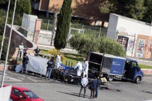 Roma, camper rom: forse gli hanno dato fuoco, su questo si indaga