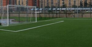 L'Aquila, bimbo di 8 anni travolto da porta di calcio durante allenamenti: è grave