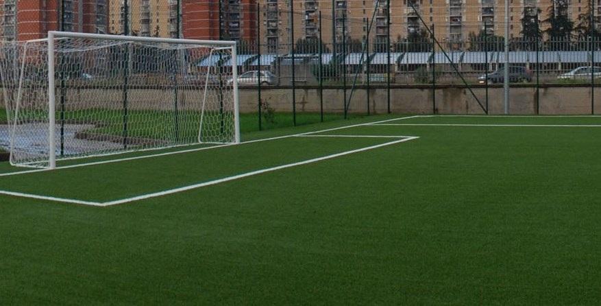 Bimbo Travolto Da Porta In Campo Da Calcio A L 39 Aquila Grave