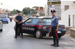 Sarzana (La Spezia): non si ferma all'alt e travolge carabiniere, arrestato
