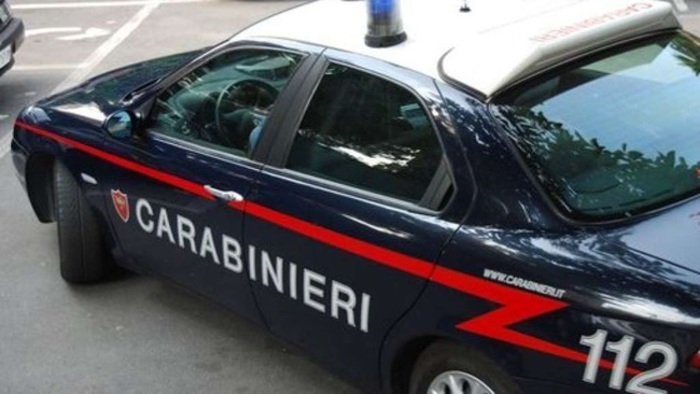 Molfetta: Carabinieri salvano 17enne, era fermo su binari in attesa del treno